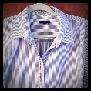 GAP tailored dress shirt - blue & white